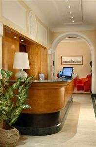 Set in Rome City Centre, the Smeraldo Hotel is a short walk from Campo de' Fiori and offers luggage storage, a concierge and a 24 hour recep...