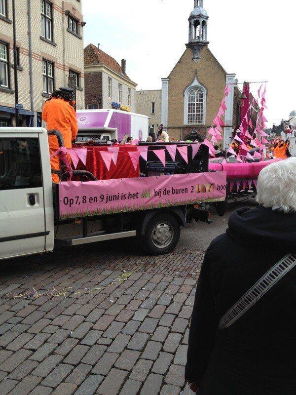 Dordrecht Pride in de carnavalsoptocht Dordrecht!