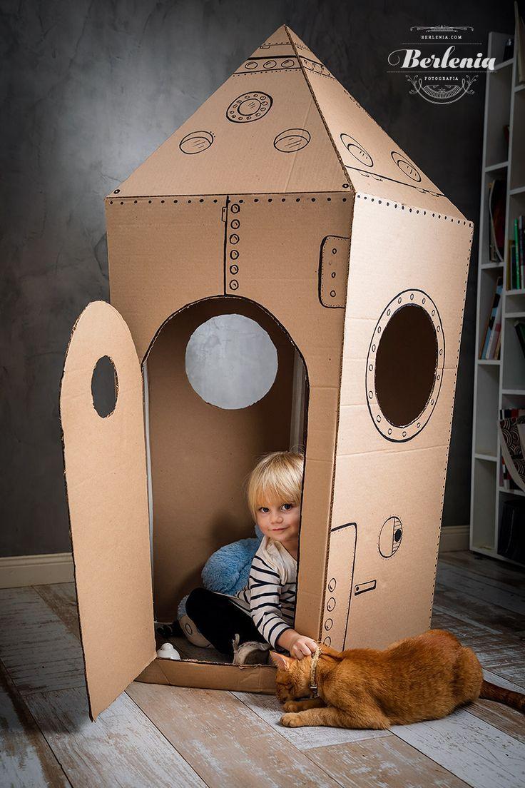 Cardboard Crafts Kids, Cardboard Rocket, Cardboard Playhouse, Cardboard Toys, Cardboard Box Ideas For Kids, Cardboard Spaceship, Cardboard Box Houses, Cardboard Castle, Cardboard Furniture