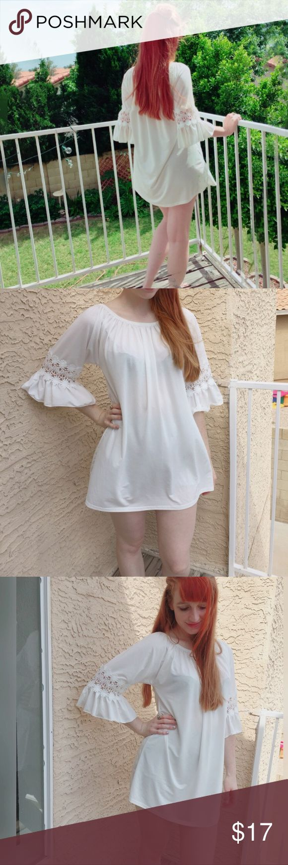 """Ivory & lace trumpet sleeve boho dress ✌️ So flowy and boho chic- like a dream✨💖 featuring soft ivory fabric, lace crochet sleeves, and trumpet sleeves with a dolphin hem- like skirt. I'm 5'7 and 32c, 28"""" & 39"""" for your reference. Urban Outfitters Dresses Mini"""