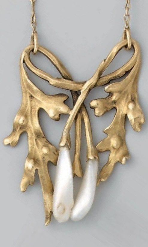 An Art Nouveau gold and pearl pendant necklace, French, circa 1900. 49cm long. #ArtNouveau