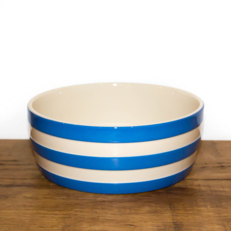 From iconic British brand Cornishware comes this beautiful blue striped dog bowl.