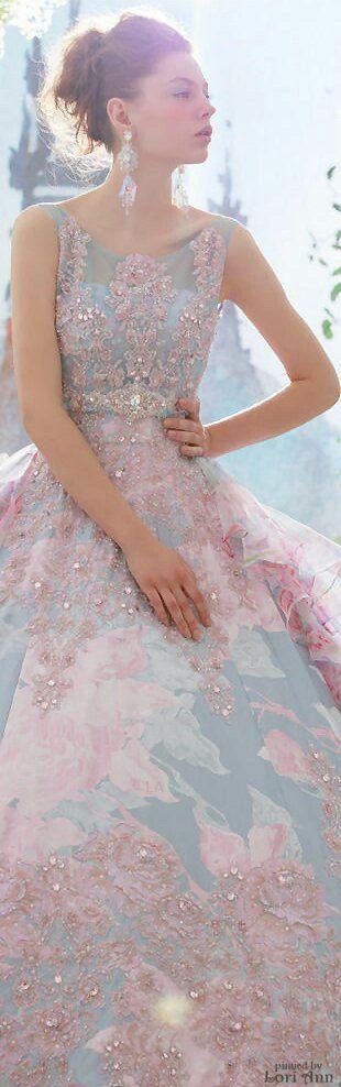 Fashion flower: Rosa Quarz e Serenity, i due colori dell'anno secondo il Pantone Color Institute.