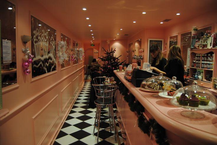 inside chloe's cupcakes paris - like a pink dream