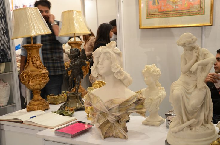 #TheOldChannelEuropeanArtShowroom brings beautiful vintage artifacts, showpieces and wallart which takes us to ancient European history - only and exclusively at #HOUSEFULL  #Luxury #Vintage #Homes #HomeDecor #Art