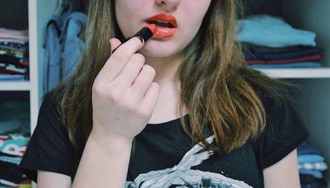 Avril Beauté - Rouge à lèvres Corail #lipstick #makeup #beauty #avril https://www.instagram.com/leanefgt/