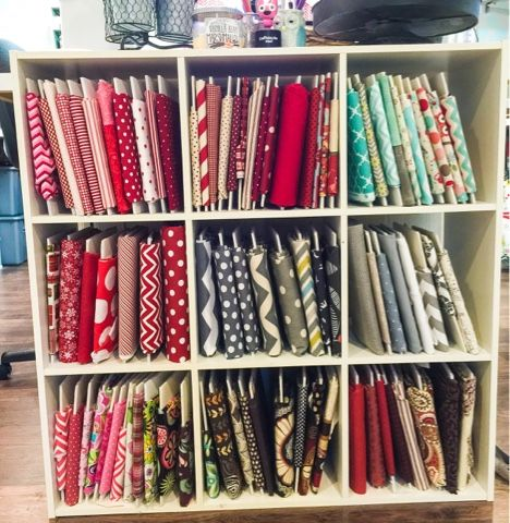 How to make mini bolts to neatly store all of your fabric! Make 8 board for under $2! From the little green bean.