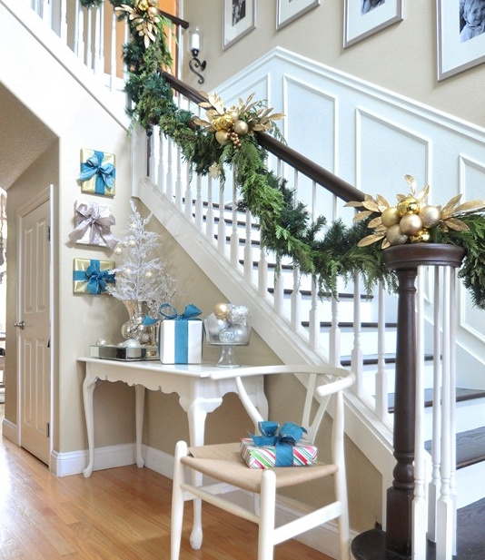 1893 Best Christmas On The Stairs Images On Pinterest: 551 Best Christmas Stair Decor Images On Pinterest