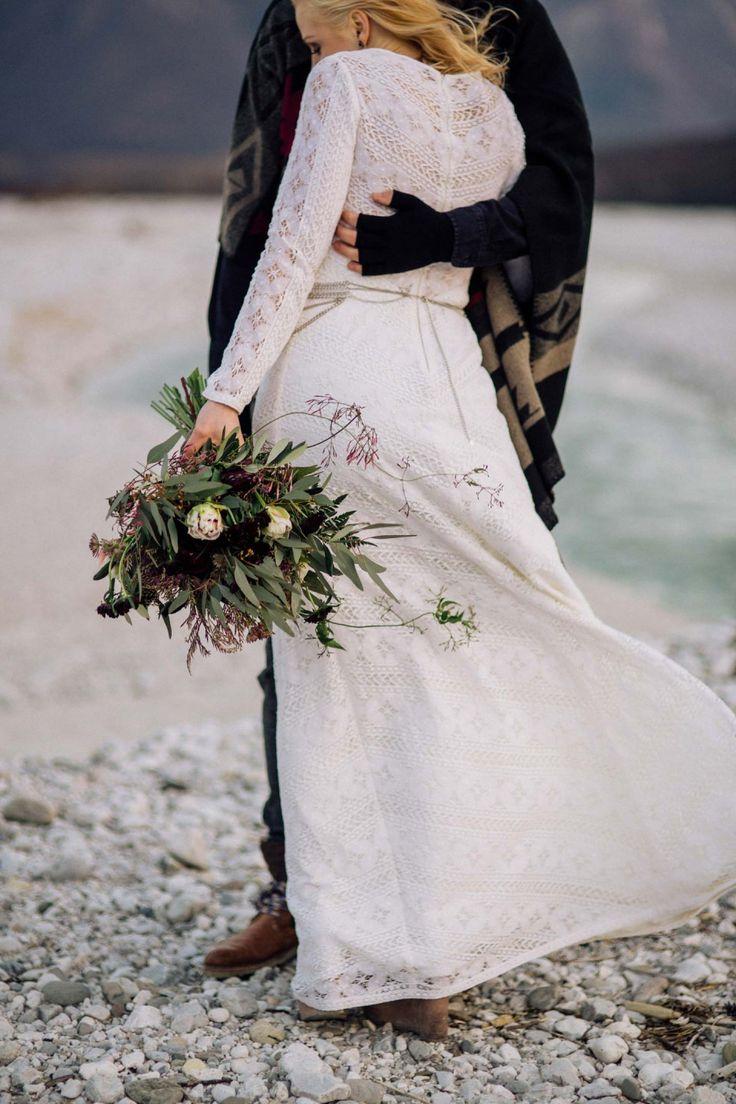 Mit der Liebe nach Alaska durchbrennen CHRIS & RUTH PHOTOGRAPHY http://www.hochzeitswahn.de/inspirationsideen/mit-der-liebe-nach-alaska-durchbrennen/ #wedding #winter #couple