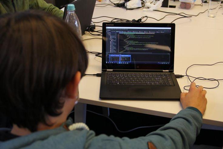 Interview über CoderDojo: Elektronikbasteln und Programmieren für Kinder: Programmieren lernen beim… #Technologie #CoderDojo #Kinder