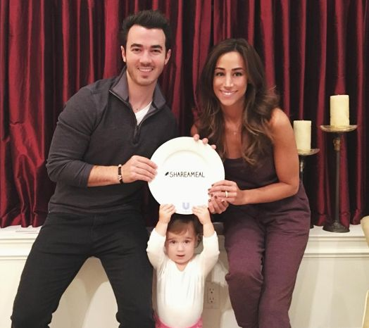 Kevin & Danielle Jonas reveal the gender of their unborn baby