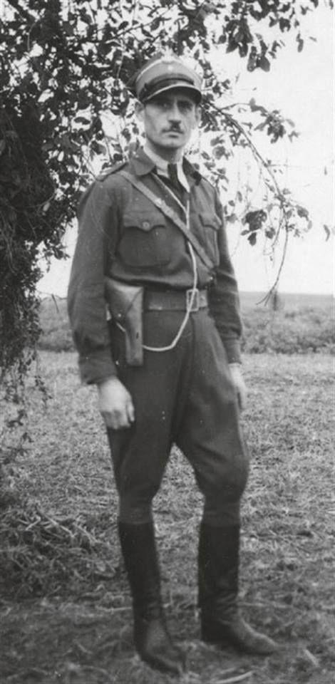 """Leonard Koprowicz """"Gwiazda"""", uczestnik kampanii wrześniowej, żołnierz AK, po wkroczeniu wojsk sowieckich żołnierz ROAK w oddziale Władysława Dubielaka """"Myśliwego"""". Aresztowany 16 listopada 1946, skazany na karę śmierci, zamienioną na 15 lat więzienia."""