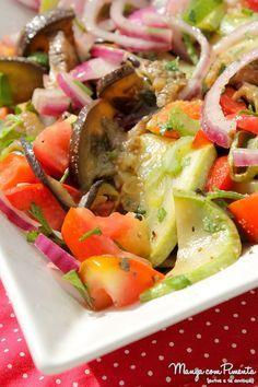 Receita de Salada Ratatouille {Comidinhas do Bem}, perfeito para o almoço de Páscoa. Para ver a receita, clique na imagem para ir ao Manga com Pimenta.