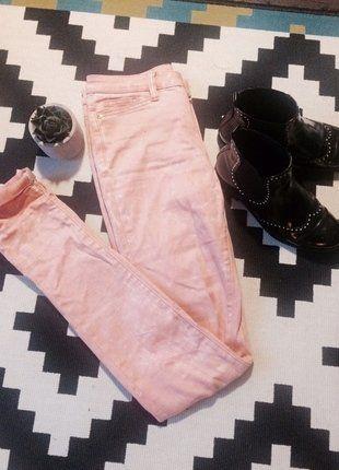 À vendre sur #vintedfrance ! http://www.vinted.fr/mode-femmes/pantalons-skinny/28259809-pantalon-slim-rose-saumon-vero-moda