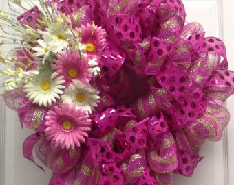 Spring Deco Mesh Wreath.  Easter Wreath.  Large Pink Spring Wreath. Spring Daisies.