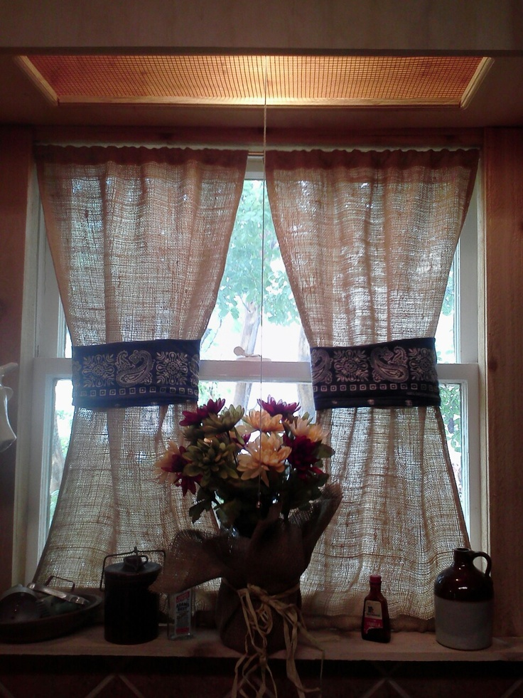 Fall Window Sill With Burlap Curtains Ideas