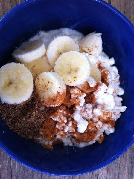 Tone It Up Nutrition Plan Mid-Morning Meal: 1/2 cup low fat cottage cheese, 1/2 sliced banana, 1/2 tbs ground flaxseed & a pinch of cinnamon & stevia. Perfect balance of protein, carbohydrates, healthy fats & yummy taste!