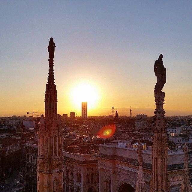 Milano #architecture #milan #duomo #milanoduomo #architexture #city #church #skyscraper #urban #design #minimal #cities #town #bestview #expo2015 #art #arte #architecturelovers #goodvibes #onlygoodvibez #instagood #sunrise #archilovers #bestoftheday #archidaily #insarchitecture #perspective
