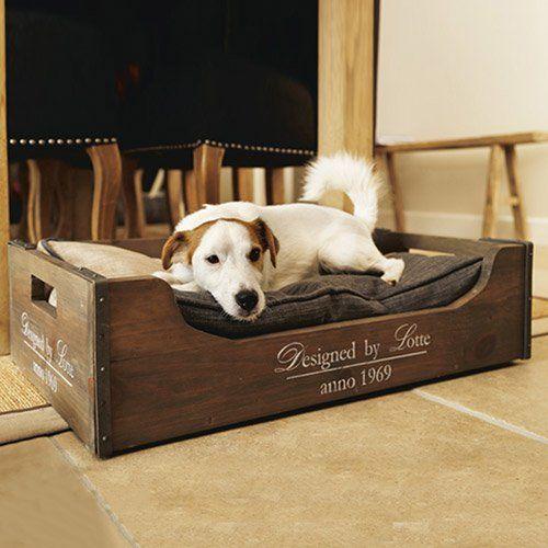Couchage pour chien - Caisse en  bois pour chiens - designed by Lotte