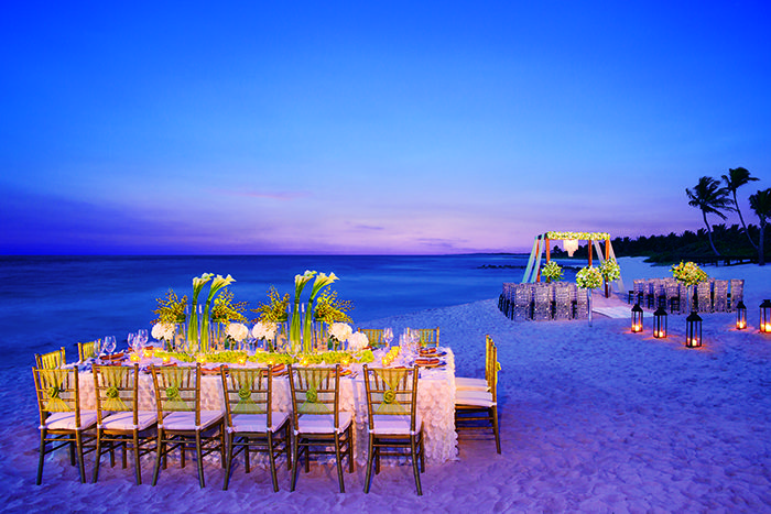 The dreamiest sunset wedding EVER – dreamt by you, created by @Christina Childress González Resorts & Spas  http://9nl.de/AMResortsWISB2 [Partnered]
