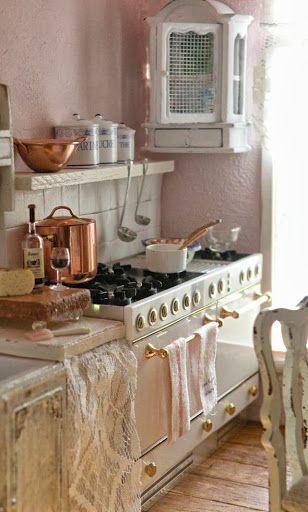 Shabby Chic Kitchen.  Oh! This stove!