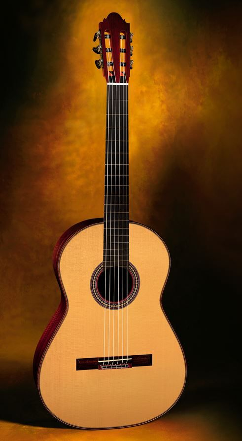 Classical Guitars Thomas Fredholm, Sweden Antonio de Torres 1890 SE 141 Homage cypress/spr. 2008 $8,500.00 Inquire Here: 216.752.7502 Cypress sides and back, European spr. soundboard, ebony bindings, Sloane machine heads, French polish of shellac finish, low very easy action, 650mm string length, hardshell case. #ClassicalGuitar #NewClassicalGuitars #CustomClassicalGuitar #UsedClassicalGuitars #ClassicalGuitarDealer
