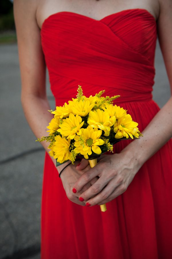Yellow Bridesmaid Bouquet 275x412 Glen Echo Park Wedding Ceremony: Abbey + Nick