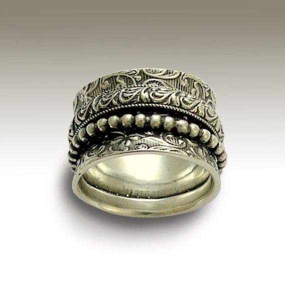 Morning bird - Sterling silver filigree band with silver filigree and dotted spinners