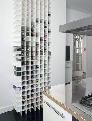 Bekijk de foto van allinliving met als titel Prachtige minimalistische wijnkast en andere inspirerende plaatjes op Welke.nl.