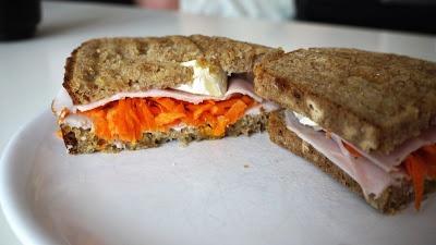 Polskie South Beach: Grillowana kanapka z indykiem