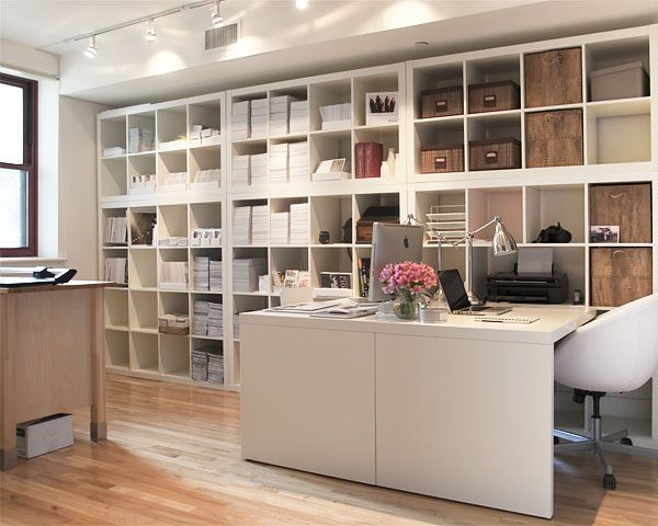 Ikea Expedit shelving system - amazingly organized & chic workspace !
