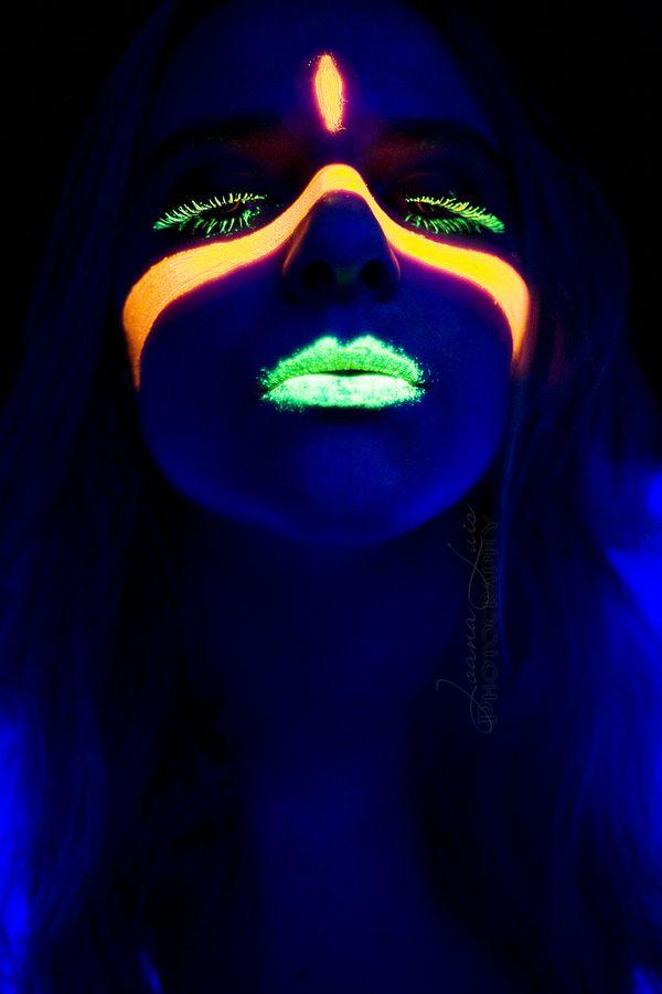 Neon by Joana Luis, via 500px
