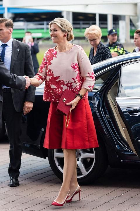 Click to see the top 10 royal style moments of 2015, including Queen Maxima's super-chic culottes. Check out all the moments and then vote for your favorite!