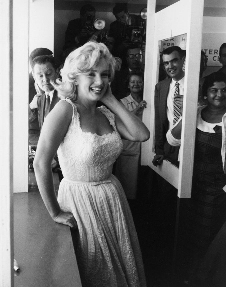 Marilyn opening the Time Life Building in the summer of 1957, New York.