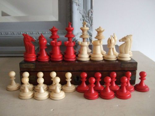 Perfect C1900 Antique UHLIG Staunton Type GERMAN Carved COW BONE CHESS SET Complete