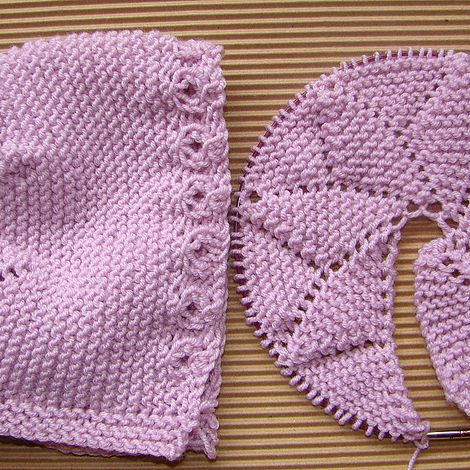 Easy star-crowned baby bonnet to knit. Patterns available in Spanish and English. Note address has changed to https://www.puntomoderno.com/capota-estrella