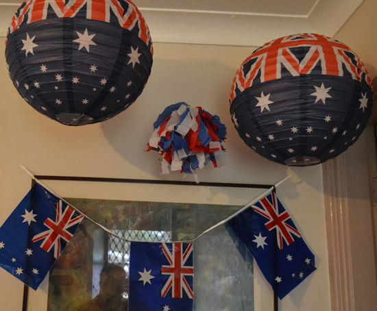 How to create an Australia Day mantle