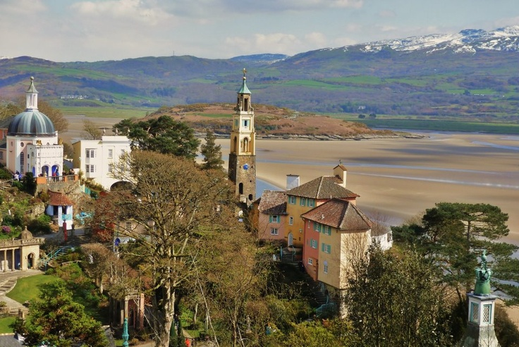Port Meirion    Off here in Sept for Festival no.6