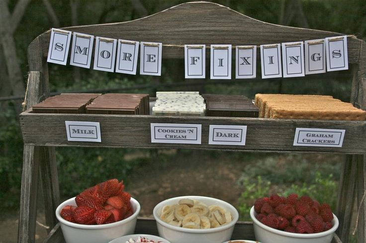 Such a neat idea for an outdoor wedding!