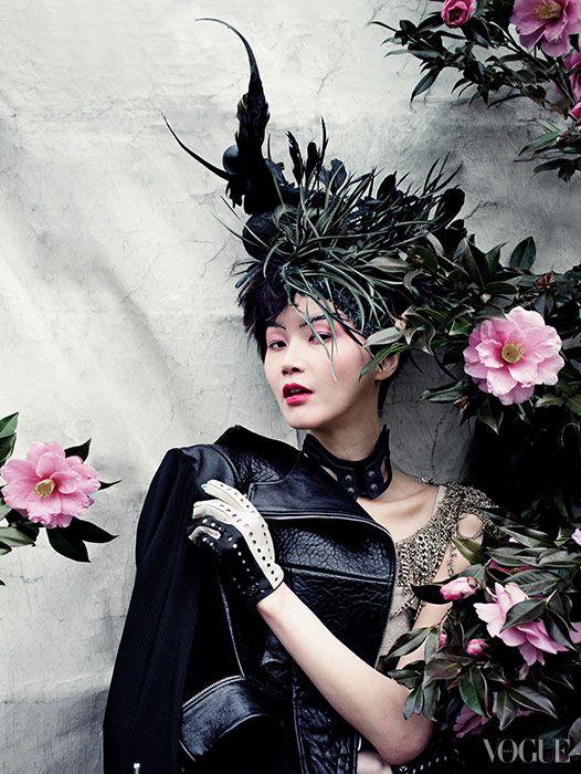 koreanmodel: Lee Hyejung by Oh Sangsun for Vogue Korea Apr 2014