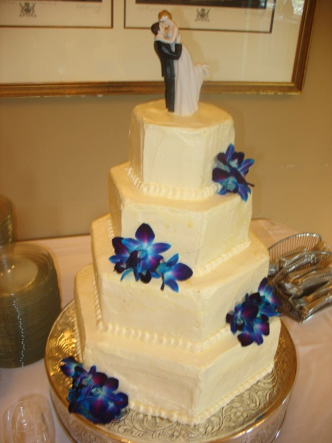 11 best Cabin Wedding Cake images on Pinterest Cabin wedding