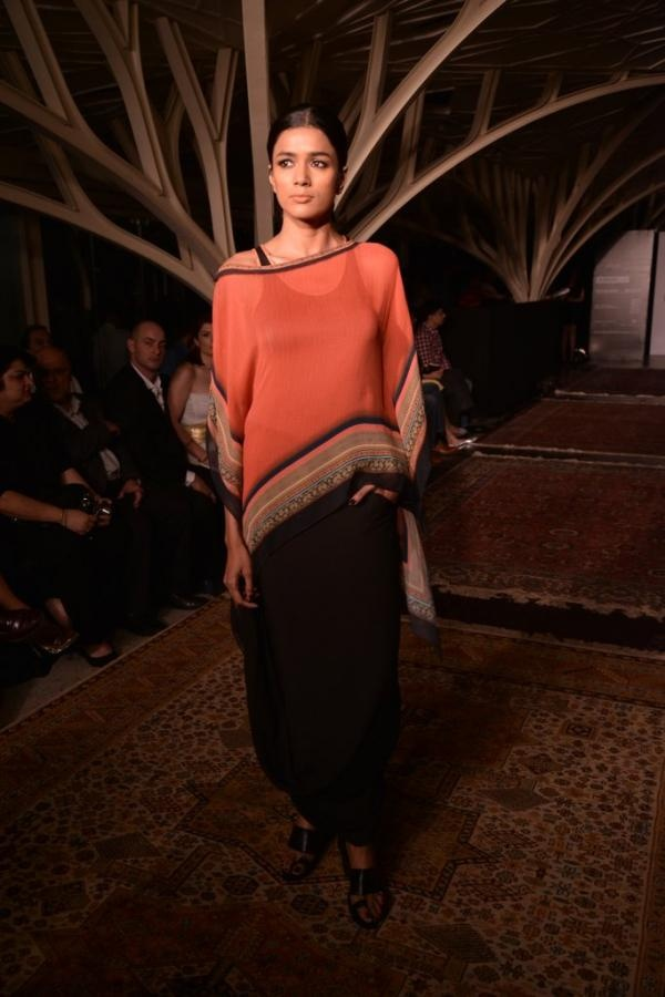Tarun Tahiliani Lakmé Fashion Week show - #Desi Spring Summer 2013 http://www.taruntahiliani.com/index.html ~