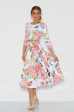 Krásna ačková sukňa s vyšším pásom kvietkovanou potlačou, zadná časť zapínanie na zips, vhodná na príležitosť či na každodenné nosenie.