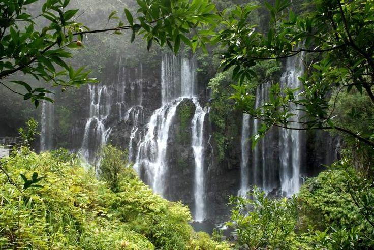 Cascade d'eau à l'île de La Réunion