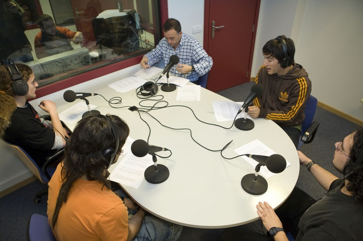 Estudio de radio del Laboratorio de Comunicación Audiovisual y Publicidad   Estudi de ràdio del Laboratori de Comunicació Audiovisual i Publicitat de la Universitat Jaume I.   www.labcap.uji.es  Foto: Àlex Pérez