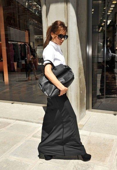 Victoria Beckham Ponytail: Street Fashion, Beckham Style, Street Style, Long Skirts, Victoriabeckham, Victoria Beckham, Beckham Ponytail, White Blouses, Hair