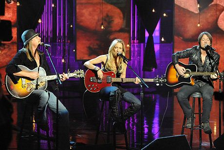 """Kid Rock, Sheryl Crow, and Keith Urban perform on """"Hope for Haiti Now: A Global Benefit for Earthquake Relief."""" Photo By: Getty Images"""