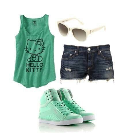 Hello kitty outfit verde