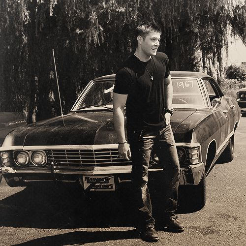 "So, this might be my favorite Dean Winchester pic of the week. Not because it's necessarily like ""omgthat'ssoattractiveimightdierightnowwww"", but rather because this is just perfect. (Though, it may just be a behind-the-scenes shot, but it still counts) All around perfect. Plus: bowlegs. Can't go wrong with bowlegs. #Supernatural #DeanWinchester"