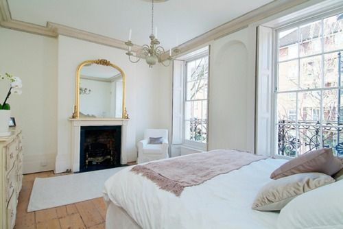 Pink Wallpapers, White Beds, Airy Bedrooms, Bedrooms Fireplaces, French Apartments, Bedrooms Ideas, Flower Boxes, White Wall, Wallpapers Design